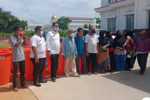 Pemkab Rohil Berharap Nelayan Bisa Tingkatkan Ekonomi Daerah dan Buka Lapangan Kerja