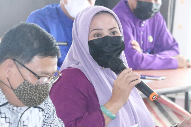 Rapat Paripurna Zoom Meeting Dinilai Menghalangi Hak Bicara Wakil Rakyat, Ade Hartati: Kami Seperti Jadi Cap Stempel Saja