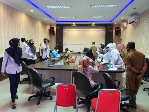 71 Pegawai Disnakertrans Riau Diswab, Hasilnya Semua Negatif
