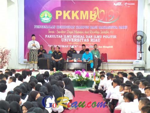 Jadi Narasumber di PKKMB Fisip Universitas Riau, Gubernur: Mahasiswa Harus Kreatif dan Mandiri