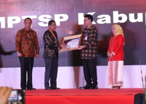 Pemkab Siak Kembali Raih Penghargaan Pelayanan Perizinan Terbaik Nasional
