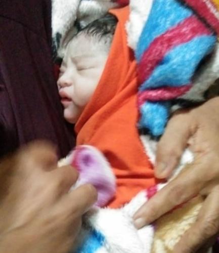 Bayi Perempuan Lahir Dalam Ambulance Laut Baznas Kepulauan Meranti saat Perjalanan ke RSUD
