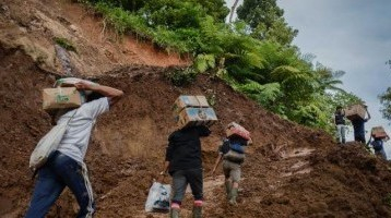 Banjir dan Longsor Terjang 6 Daerah di Sumbar