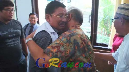 Majelis Hakim Vonis Bebas Mantan Bupati Pelalawan Tengku Azmun Jaafar