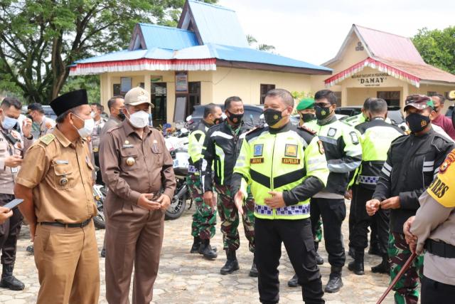 Bupati Siak Bersama Kapolda Riau Tinjau Vaksinasi Warga Jati Mulya