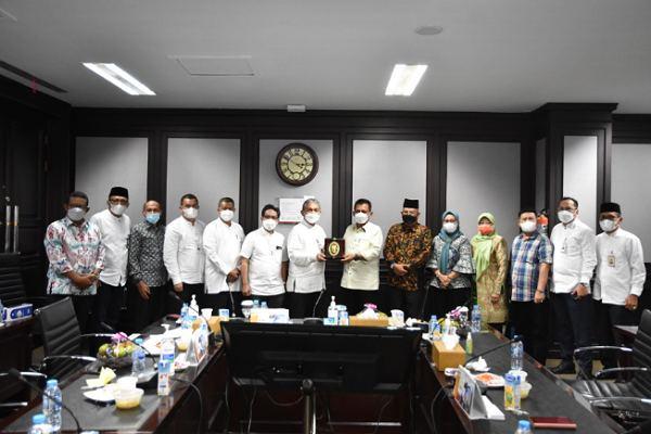 Kunjungi Bank Riau Kepri, Gubernur Kepri Komit Tambah Modal
