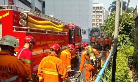 Gedung Kemenhub Terbakar, Belasan Orang Sempat Terjebak di Sejumlah Lantai, 3 Tewas