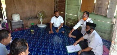 Bupati dan Baznas Rohil Rehat Rumah Warga yang Rusak Parah