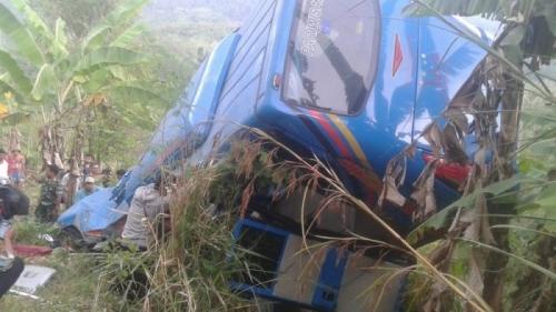 Bus Terjun ke Jurang Sedalam 30 Meter di Sukabumi, 17 Penumpang Tewas dan 14 Luka-luka