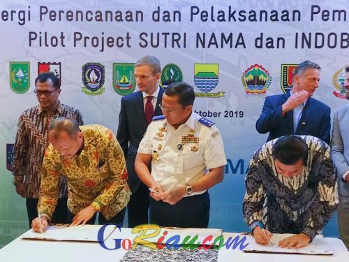Kemenhub RI MoU Pilot Project Sutri Nama - Indobus dengan Pemprov Riau dan Pemko Pekanbaru