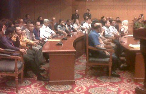 Pagi Ini, KPU Riau Beri Keterangan Soal Sengketa Pilgubri 2013 di MK
