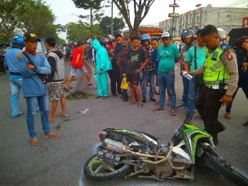 Pelajar SMP 37 Tewas Setelah Terseret Truk Sejauh 10 Meter di Jalan Arifin Ahmad