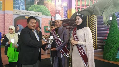 Muhammad Hafiz Daffa dan Debby Tri Nanda Terpilih sebagai Duta Prodi Ilmu Komunikasi Umri 2020