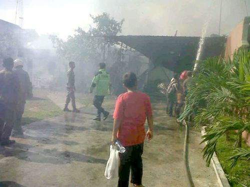 Usai Pencoblosan, Rumah Warga di Gobah Pekanbaru Terbakar, yang Selamat Cuma 2 Mobil