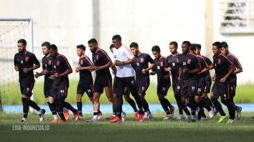 Pemain Borneo FC Sisihkan Gaji Buat Penanganan Corona