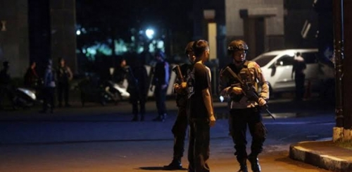 Mako Brimob Rusuh, Warga Lihat Polisi Bersenjata Laras Panjang Berhamburan