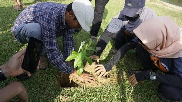 SPGI Tanam Pohon dan Diskusi Lingkungan Bersama Masyarakat Kuntu