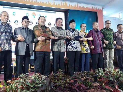 Hadiri Rakor Gubernur se-Sumatera, Ini Lima Isu Strategis yang Dibahas Gubri