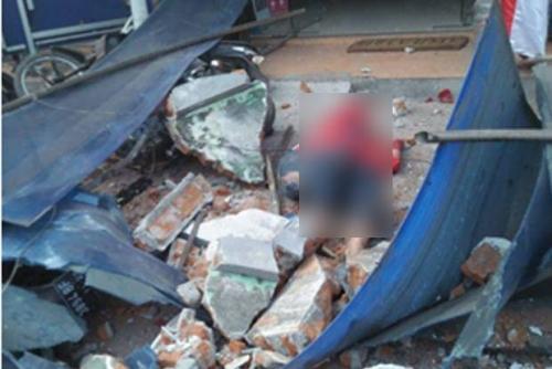 Gempa 6,2 SR Luluh Lantakkan Mataram, Korban Bergelimpangan di Reruntuhan Bangunan