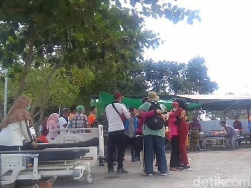 Gempa Susulan 6,2 SR Guncang Lombok, Wanita dan Anak-anak Menangis Ketakutan