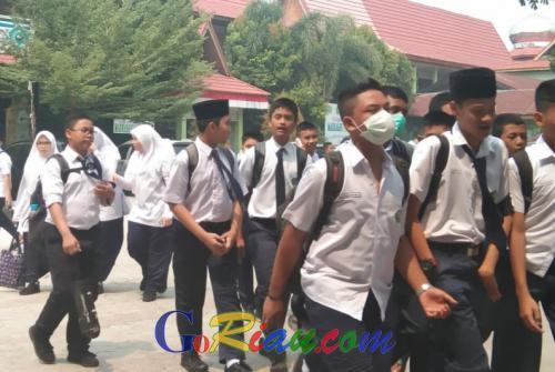 Disdik Riau Keluarkan Surat Tindak Pengamanan Dampak Asap, Sekolah Diliburkan Apabila ISPU di Angka 200
