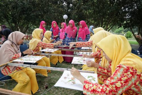 Hati Batik Nasional, Dekranasda Siak dan PT RAPP Taja Rangkaian Kegiatan untuk Pelajar
