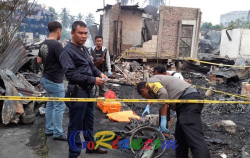 2 Tewas dan 13 Rumah Hangus pada Kebakaran di Rohil Dini Hari Tadi