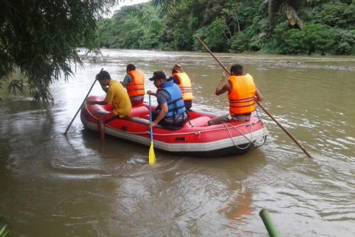 Warga Solok Selatan Hilang Terseret Banjir Saat Melintas di Jembatan Pakai Sepeda Motor
