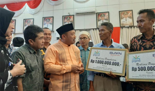 Dukung Peningkatan Kesejahteraan Masyarakat, PTPN V Salurkan Bantuan PKBL Sebesar Rp 10 Miliar