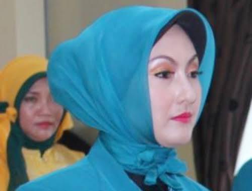 Tersangka Korupsi, Istri Cantik Wali Kota Padang Panjang Ditahan Kejaksaan