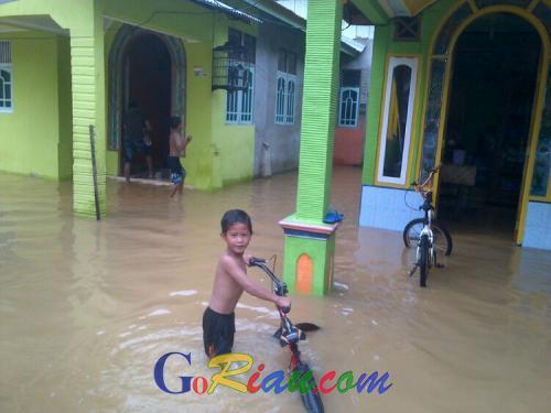 Pagi Ini, Banjir Kian Parah di Kuansing