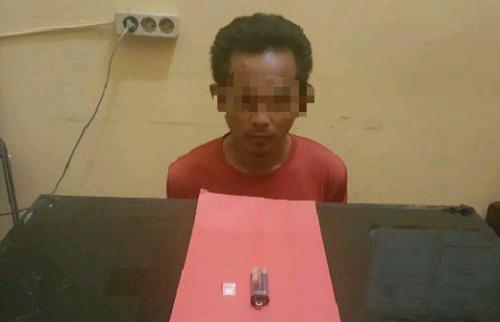 Polisi Tangkap Pelaku Kedapatan Buang Satu Paket Sabu-sabu