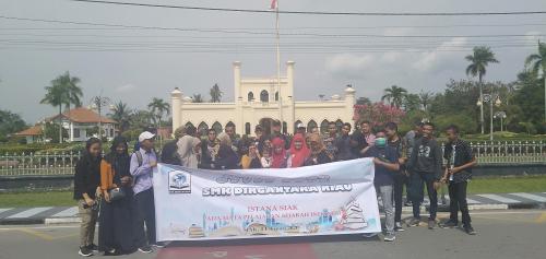 SMK Dirgantara Studi Tour ke Istana Siak Sri Indrapura