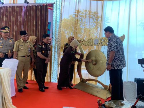 Kunjungi Kejari Kuansing, Kajati Riau Launching Jaksa Peduli Satwa