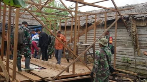 Dukung Kodim 0314 Inhil, Kadis Perkim Tinjau Pembangunan 16 Unit Rumah untuk Warga Tak Mampu