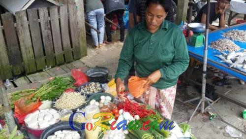 Dua Minggu Jelang Ramadan, Harga Cabe Merah Turun, Sembako Lainnya Masih Stabil