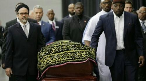 Ribuan Muslim Salatkan Jenazah Sang Legenda Tinju Dunia Muhammad Ali