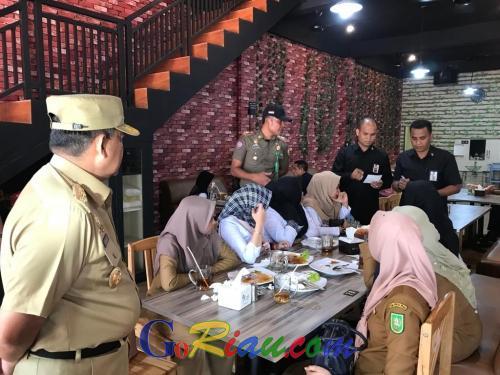 Sekitar 30 ASN Pemprov Riau Kena Razia di Kedai Kopi Usai Apel, Wagubri Edy Nasution: Saya Kecewa, Padahal Sudah Diingatkan