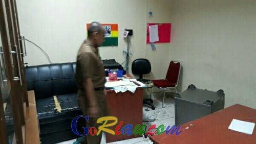 Kantor Sektretariat BKP2D Pelalawan Dibobol Maling, Dua Unit TV Raib