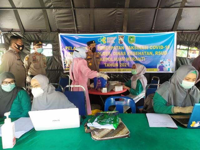 Kapolres Ajak Masyarakat Sukseskan Program Vaksinasi Covid-19 Massal di Kepulauan Meranti