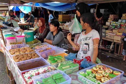 Pasar Peranap Ramai