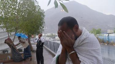 Hujan Mendadak Guyur Padang Arafah Saat Jamaah Haji Wukuf
