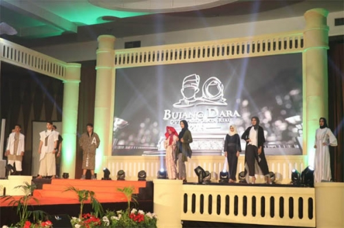 Parade Busana Berbahan Rayon Viskosa Tampil di Malam Puncak Bujang Dara Riau 2019