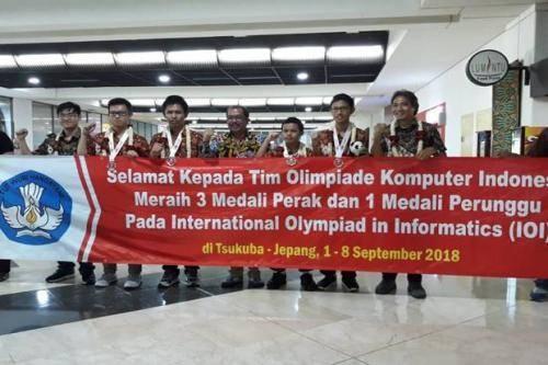 4 Siswa SMA Indonesia Raih 4 Medali pada Olimpiade Komputer di Jepang