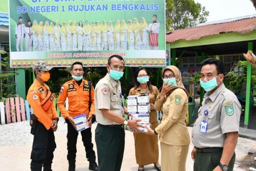 Kabut Asap Makin Pekat di Bengkalis, BPBD Bagikan 2.000 Masker