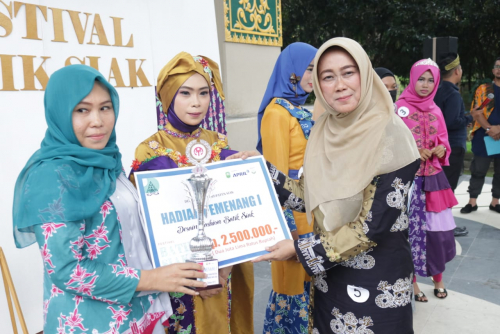 Motif Asam Gelubi Juara 1 Festival Batik Siak