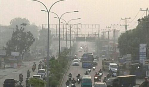 Pagi Ini Warga Pekanbaru Kembali Hirup Udara Beracun