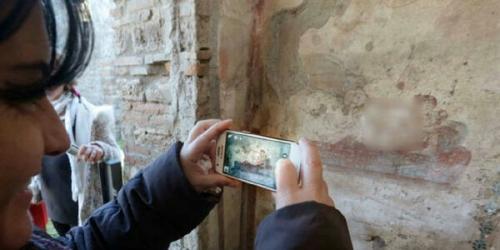 Lukisan Tua di Dinding Ungkap Praktik Prostitusi di Kaki Gunung Berapi 2.000 Tahun Silam