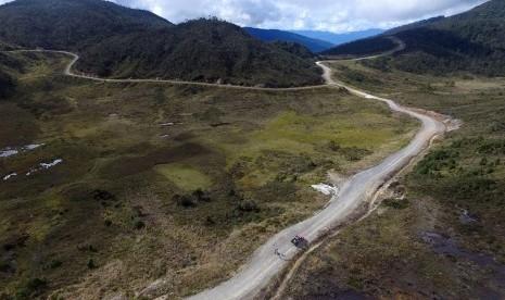 Saat Buru KKB, TNI-Polri Temukan 3 Pekerja Selamat