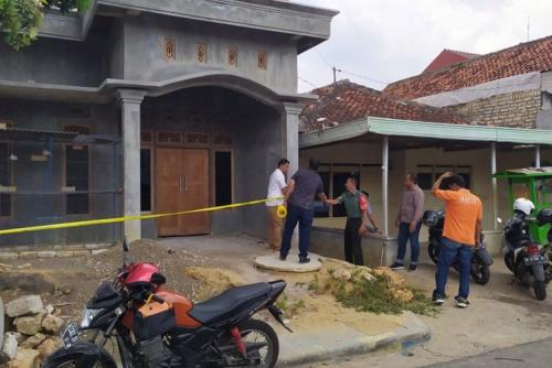 Diduga Sering Ganggu Istri TNI, Polisi Luka Parah Kena Sangkur
